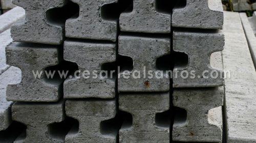 Pilares de Encaixe de Betão